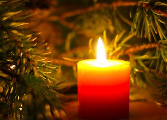 Holiday-candle-555x400.jpg