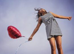 girl-and-balloon--260x188.jpg